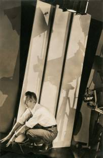 Edward Steichen 4.Self-portrait with photographic paraphernalia, New York, 1929 Gelatin silver print Courtesy Condé Nast Archive, New York © 1929 Condé Nast Publications